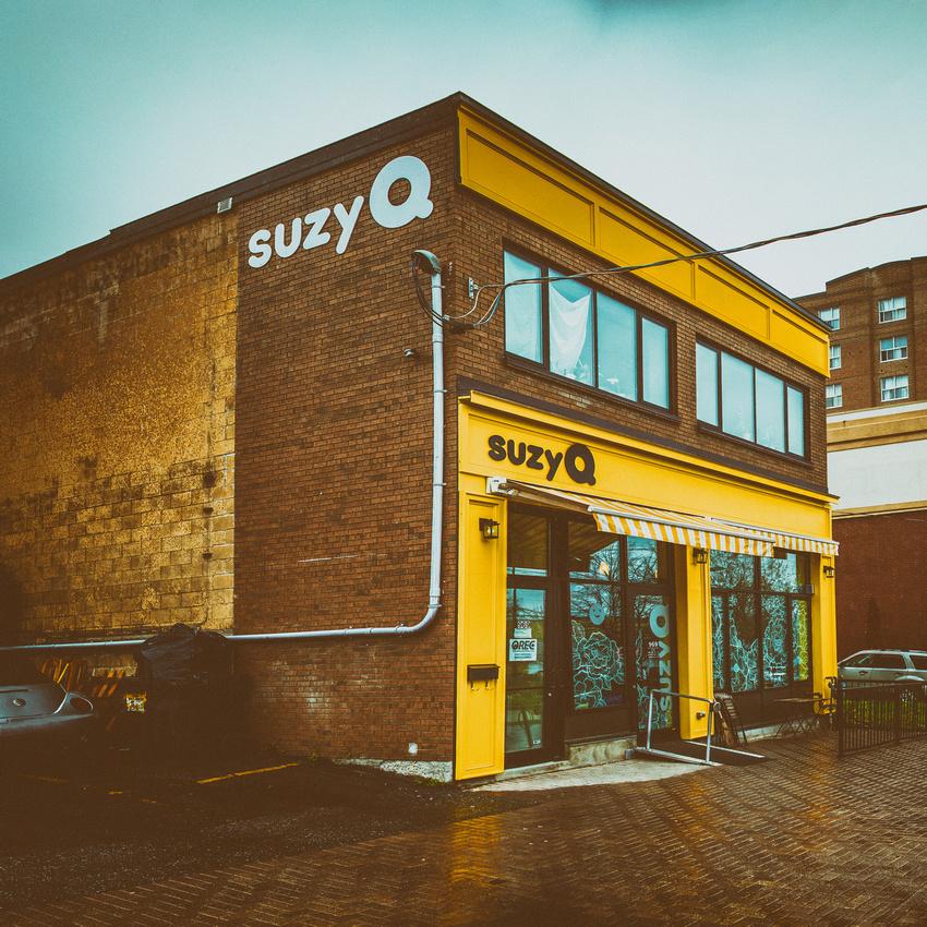 Ottawa Suzy Q Square Format