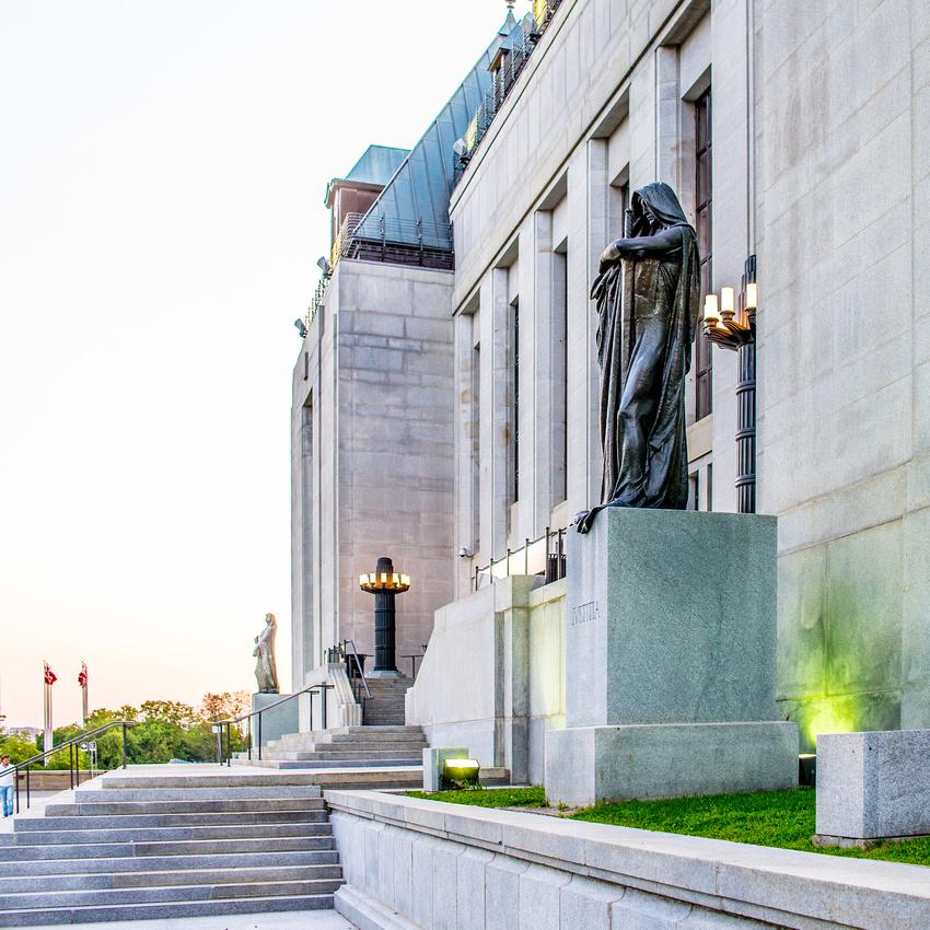 Ottawa Supreme Court Statues001