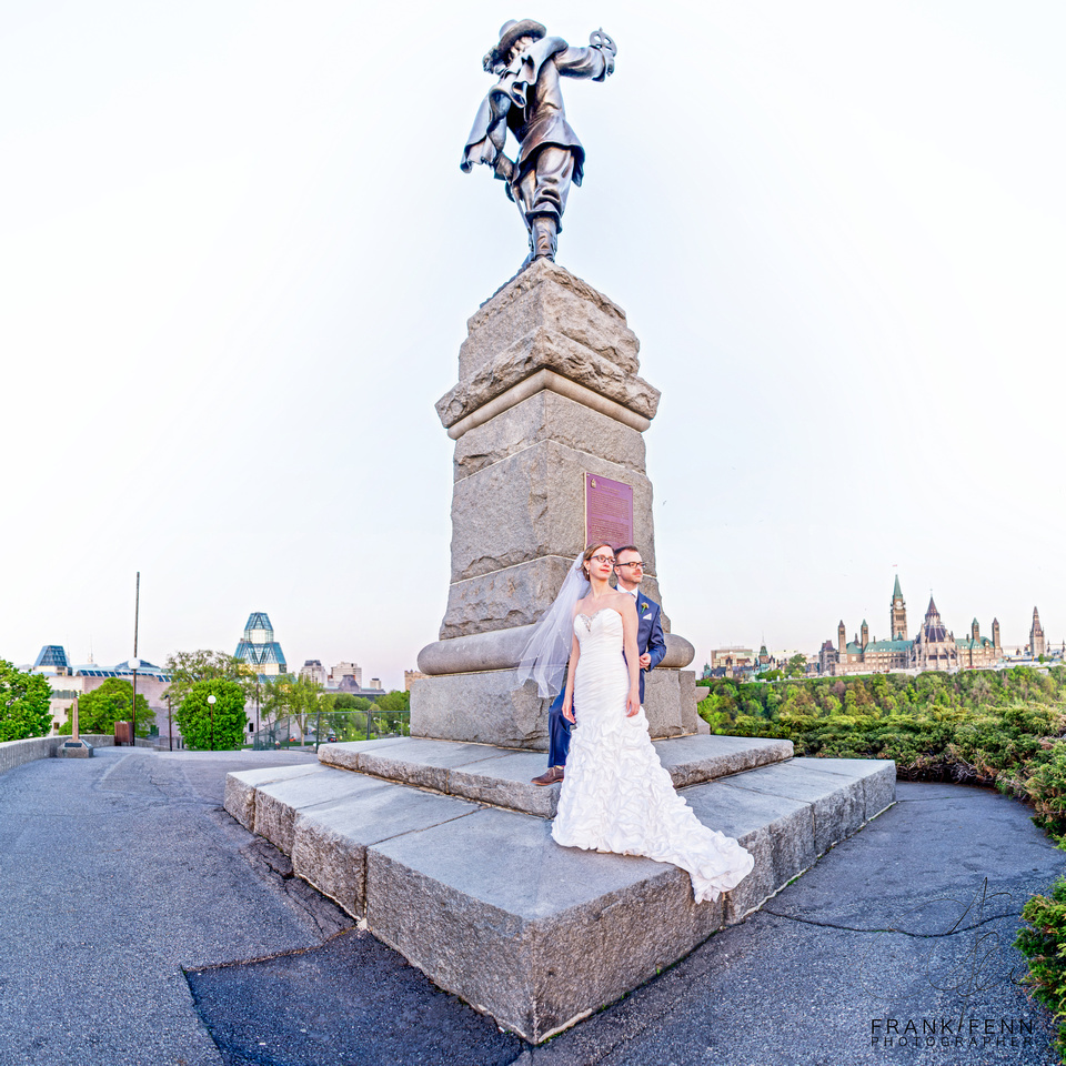 Champlain Statue wedding portrait above ottawa